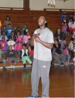 Harlem  Ambassadors hoop  it up at Wonder Elementary