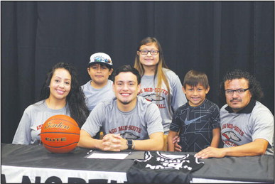 Texas guard Galvan bringing talents to The Dog House